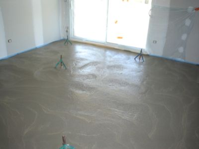 ciment liquide la pose de chape liquide est dornavant. Black Bedroom Furniture Sets. Home Design Ideas